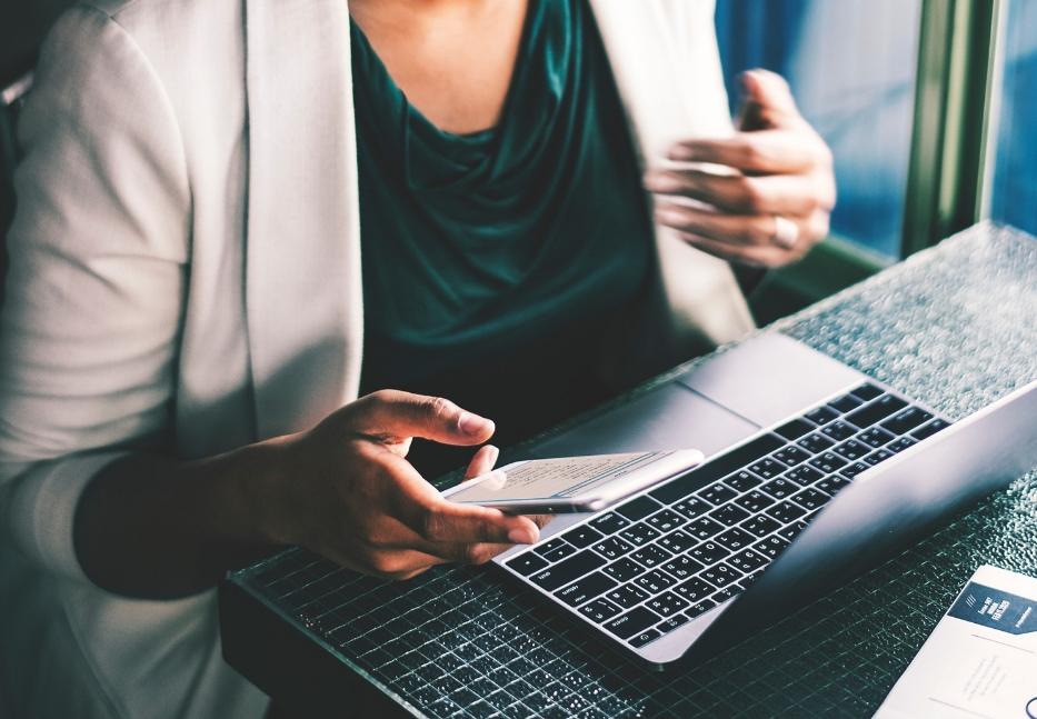 Lo stress sul lavoro fa ingrassare le donne